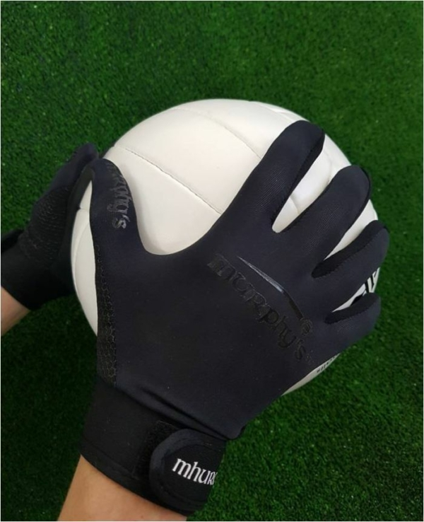 Black Out Gaelic Gloves